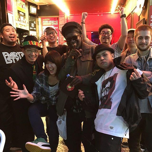 Macka B東京公演は大盛況でした️名古屋、大阪の人、ほんまに生で体感したほうがええですよ️ 久々の東の仲間たちとひたすら楽しい宴でした。俺も楽しくライブさせてもらいましたRespect
