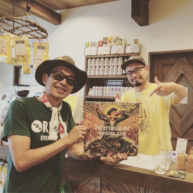新潟の長岡にてたつまき堂さんにお邪魔しました️やっと来れた️美味しいコーヒーを立ち飲みスタイルでいただきました(^^)オーガニック食品から雑貨まで幅広く取り扱っていて魅力的なお店ですよ。CD部門では僕のアルバムもお取り扱いいただいておりますイノさんいつもありがとうございます