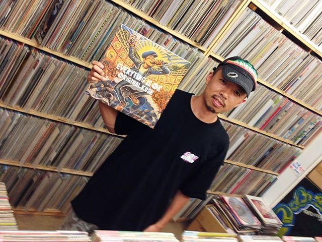 DONUTS MAGAZINEというウェブマガジンの「日本レコード行脚」とうコーナーで、福島のCOCOBEAT RECORDSさんがORIGINAL KOSEのアルバムを推薦してくださってます★ありがとうございます!LPのサイズ感は改めてGOODです★昨日も昔買ったレコードを家で聞きまくって一人でアガリまくってました。文字通り擦り切れるまで聞いたレコードたち。それにしても日本はなんて恵まれていることか。改めて各地のレコード屋さんにRESPECT & BIG UP★皆さんもよければご一読ください。https://donutsmagazine.com/store/vinyl-angya001/COCOBEAT RECORDS住所:〒963-8005 福島県郡山市清水台1-6-13 八幡プラザビル 二号館 電話:024-939-1310営業時間:11:00~19:00定休日:水曜HP:http://www.cocobeat-records.com/https://omimi.biz/